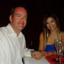 โพรไฟล์ผู้ใช้ Laura & Chris