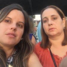Lilies Y Maritza Superhost házigazda.