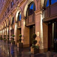 Gebruikersprofiel Paramount Hotel