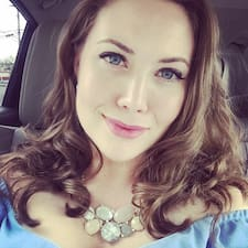 Profil Pengguna Mary Claire