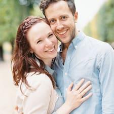 โพรไฟล์ผู้ใช้ Ben And Mary Love