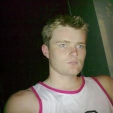 Elton Luis User Profile