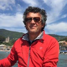 Maurizio ist ein Superhost.