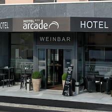 Nutzerprofil von Hotel Arcade