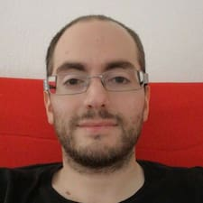 โพรไฟล์ผู้ใช้ Julien