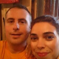 Profil Pengguna Natasha And James