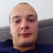 Xavier felhasználói profilja