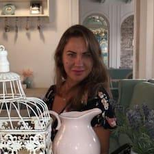 Viktoriya bir süper ev sahibi.