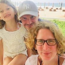 Profil uporabnika Vassil, Stephanie And Elisa