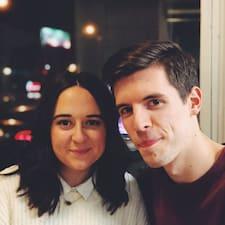 Profil Pengguna Drew & Taylor