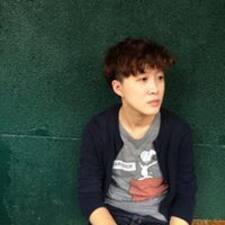 Shin-Yi felhasználói profilja