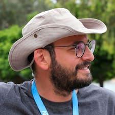 Подробнее о хозяине Özgür