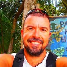 โพรไฟล์ผู้ใช้ Víctor