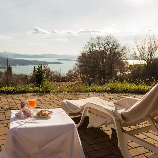 Guidebook for Castel Rigone, Lago Trasimeno