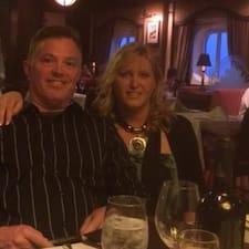 โพรไฟล์ผู้ใช้ Doug And Lianne