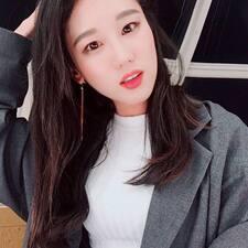 โพรไฟล์ผู้ใช้ YoungEun