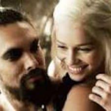 進一步了解Khal + Khaleesi
