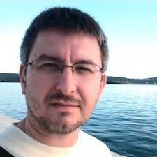 Aleksandar — суперхозяин.