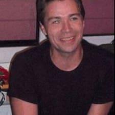 J-Manuel felhasználói profilja
