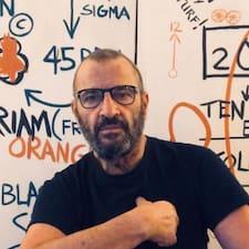 Cesare Superhost házigazda.