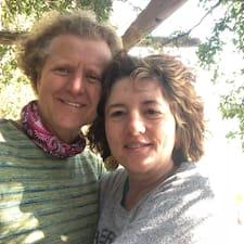 Paul And Debbie felhasználói profilja