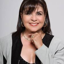 Marta Cecilia on supermajoittaja.