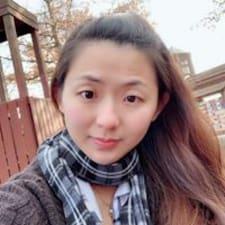 Lay Yi felhasználói profilja
