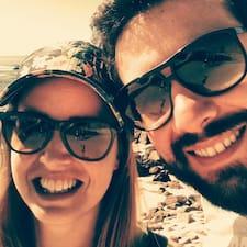 Mónica E José felhasználói profilja