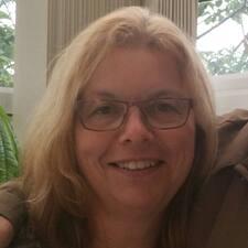 Hilary Jane felhasználói profilja