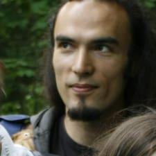 Tahir Tarık的用戶個人資料