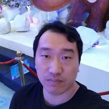 江 felhasználói profilja