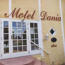 Dania felhasználói profilja