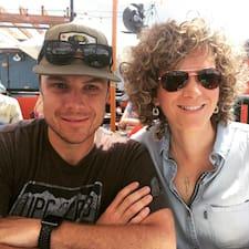 Josh & Adrienne is een SuperHost.