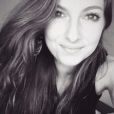 Profil Pengguna Emilie