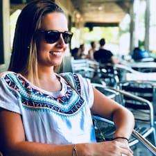 Louise felhasználói profilja