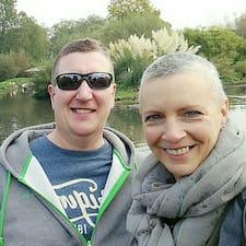 Julie & Paul felhasználói profilja
