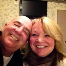 Profil korisnika Joe & Deb Carnelli