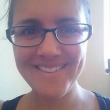 Profil Pengguna Adelisa
