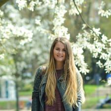 Profilo utente di Adelina Alexandra