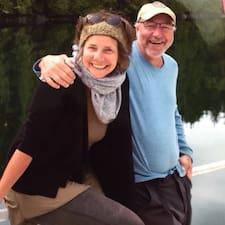 โพรไฟล์ผู้ใช้ Andy And Linda