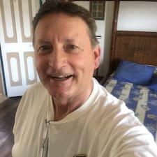 Кориснички профил на Dennis