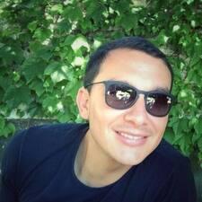 โพรไฟล์ผู้ใช้ Camilo