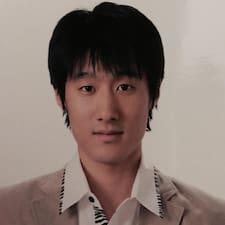 Henkilön Young-Woo käyttäjäprofiili