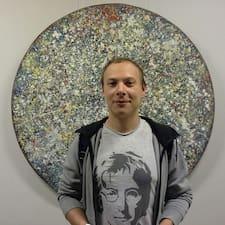 Zjisti více o hostiteli Sergey