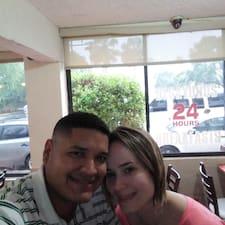 Carlos & Marissa的用戶個人資料