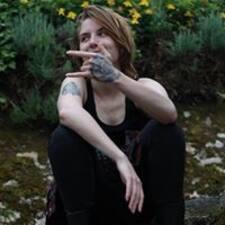 Mylène felhasználói profilja