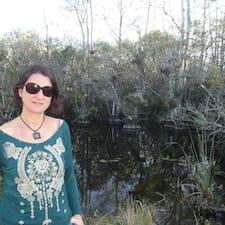 Custodia María — суперхозяин.