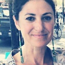 Andrea's profile photo
