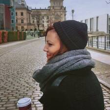 Stephanie Profile ng User