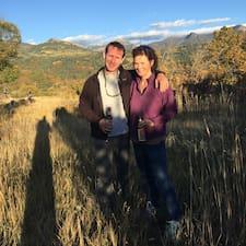 Todd & Meg felhasználói profilja